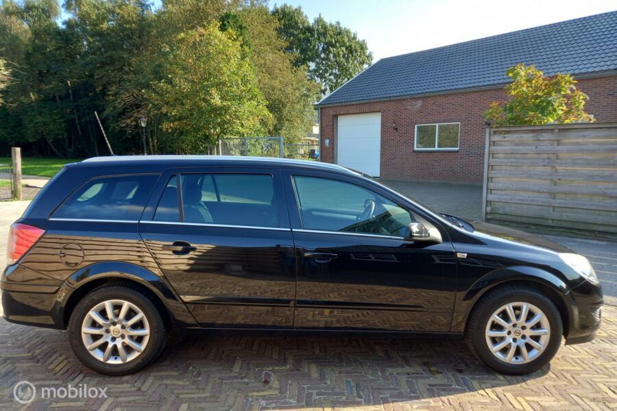 Opel Astra Wagon 1.6 116pk Edition, Airco, Cruise, Navi, trekhaak etc.