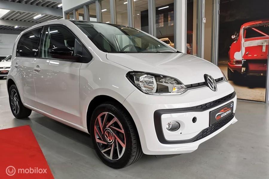 Volkswagen Up! 1.0  75PK 2017!  HIGH UP! STOELVERW. BLUETOOTH FACELIFT 5DEURS