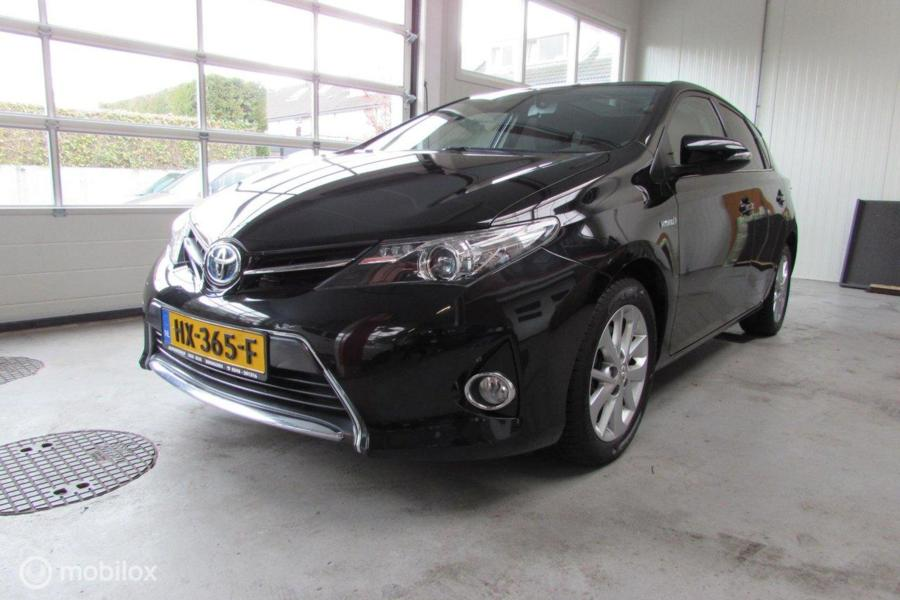 Toyota Auris 1.8 Hybrid Lease
