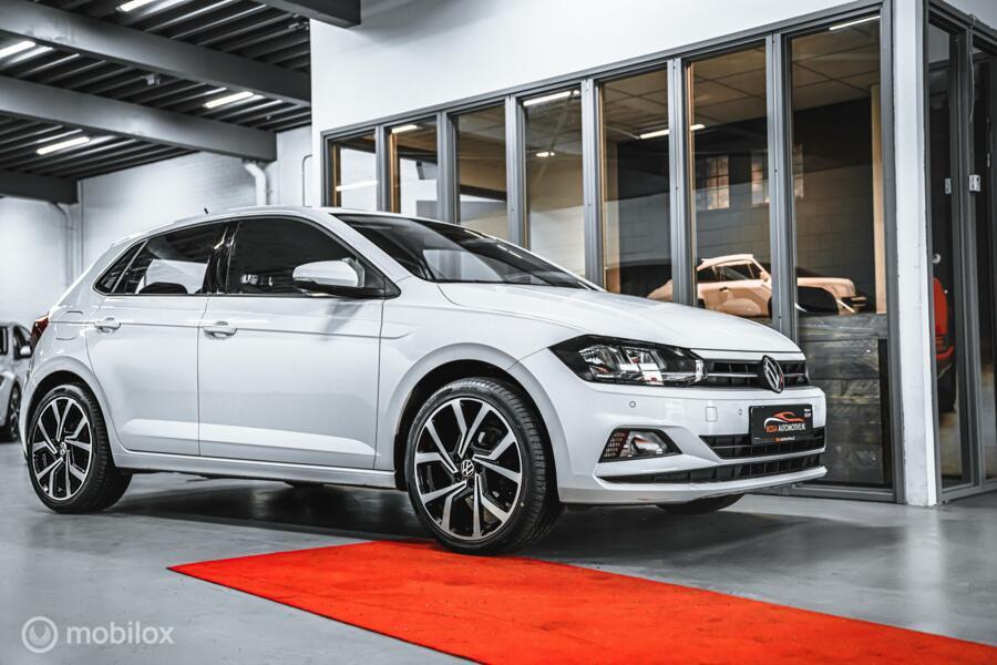 Volkswagen Polo TSI  DSG NAVI  BJ 12-2018  STOELVERW. PDC  BLEUTOOTH ZEER NETJES