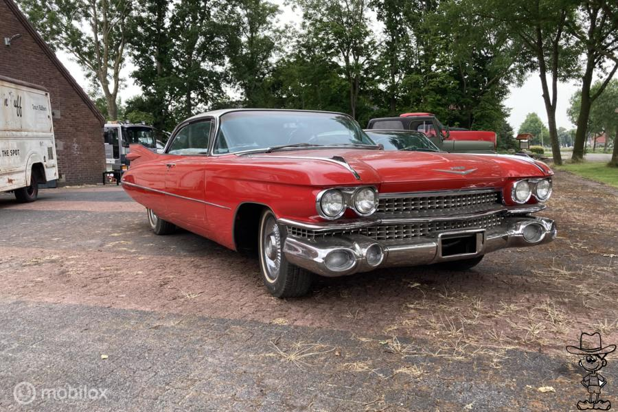 Cadillac Coupe deVille Coupe