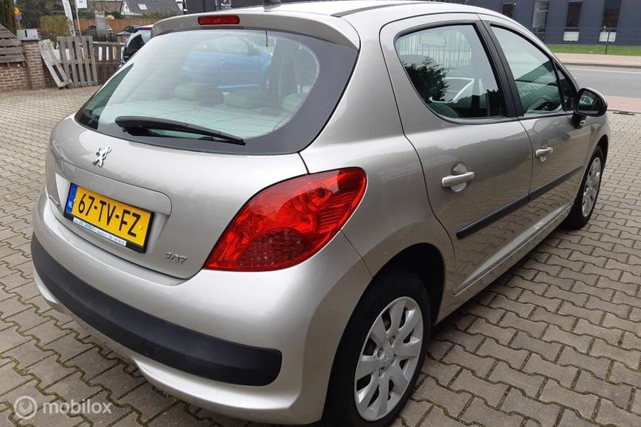 Peugeot 207 1.4 Color-line AIRCO, LAGE KM-STAND!