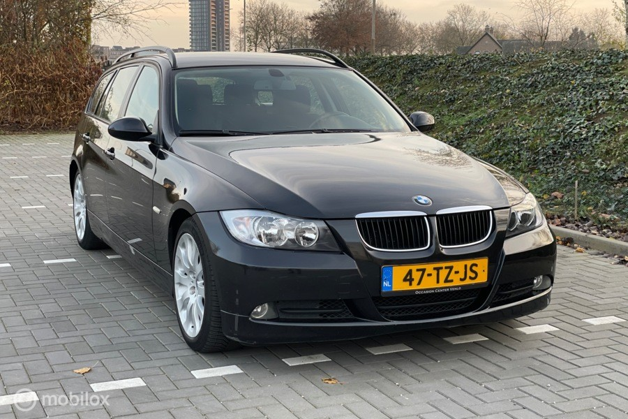 BMW 3-serie Touring 318d Business Line Airco/bluetooth/Cruise Control