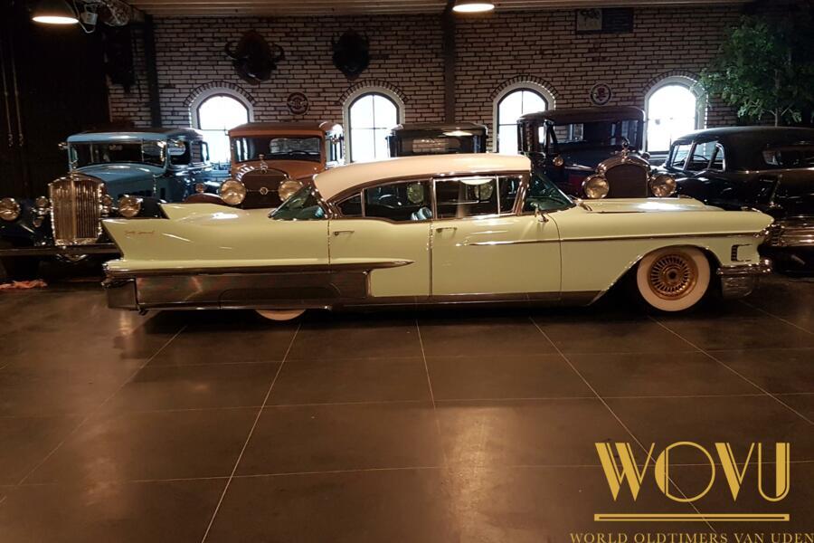 Cadillac Fleetwood Sixty Special  4 door hardtop  1958