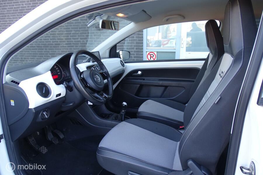 Volkswagen Up! 1.0 high up! White