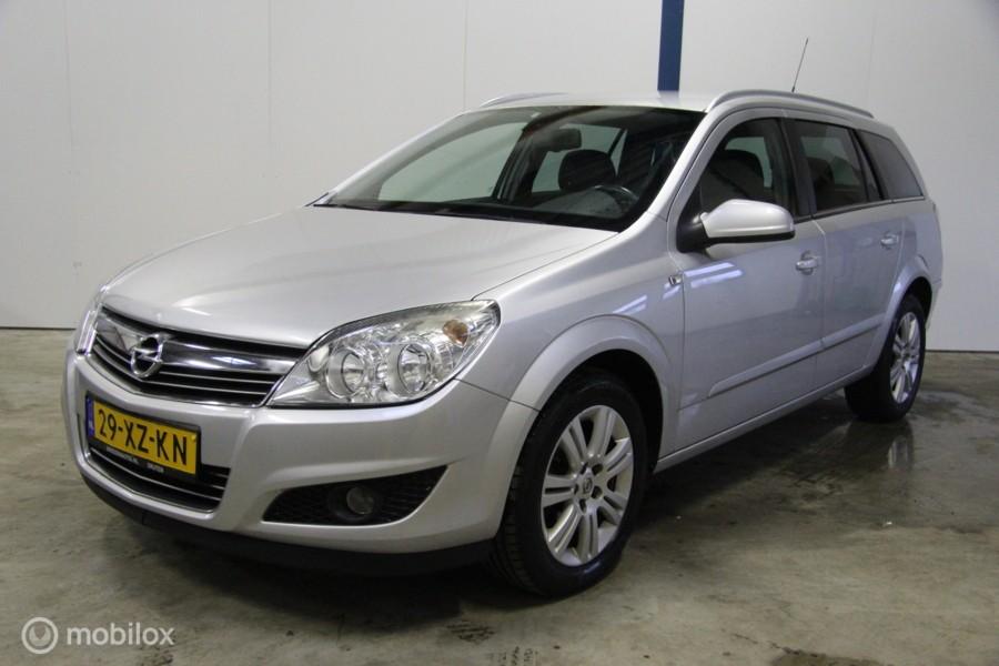 Opel Astra Wagon 1.6 Cosmo?>