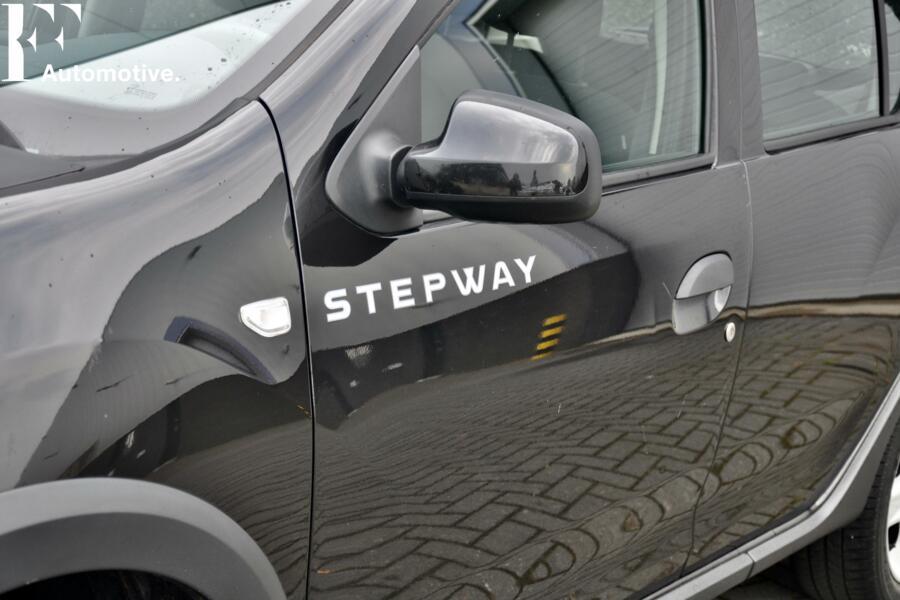 Dacia Sandero Stepway  Navi Parkeerhulp Cruise control LMV