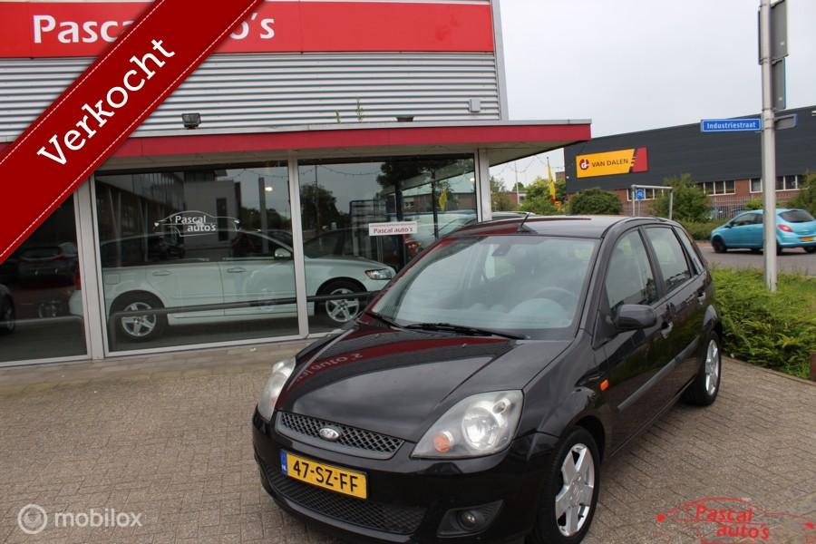 Ford Fiesta 1.3-8V Style airco nw apk 5deurs