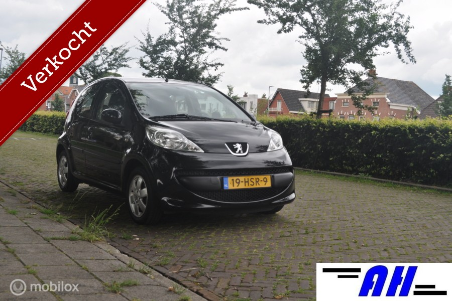 Peugeot 107 1.0-12V XS  automaat, airco, 5 drs