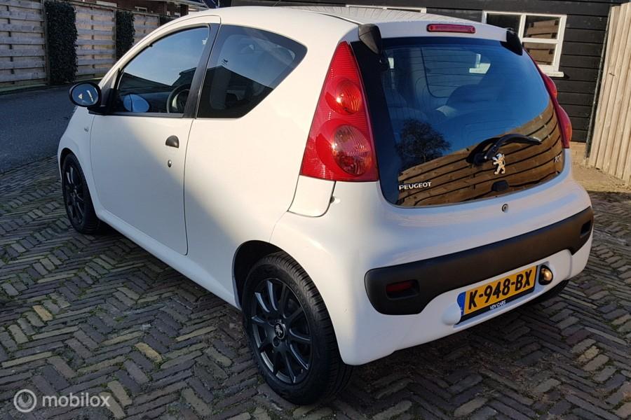 Peugeot 107 1.0-12V XR Petit Filou