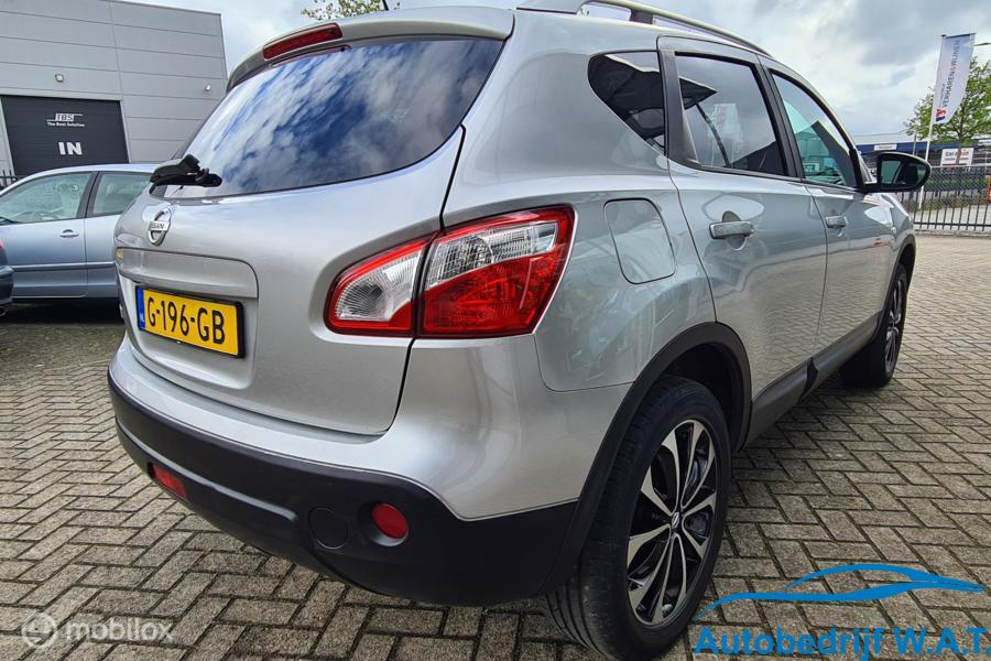 Nissan Qashqai 2.0 Connect Edition AUT # Pano | Clima | Camera | 4x nwe Banden | Stoelverw. | Cruise etc.