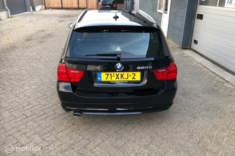 BMW 3-serie Touring 320d Efficient Dynamics Edition Luxury L