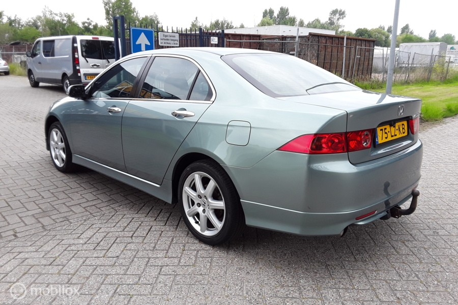 Honda Accord 2.4i  Vtec  Type-S  6-bak  190pk