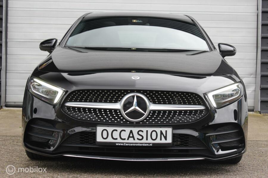 Mercedes A-klasse 200 Premium Plus AMG Line Pano Sfeerverlichting Widescreen Keyless Camere Burmester Audio 