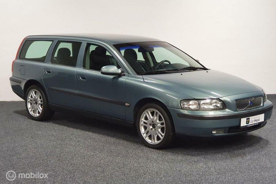 Volvo V70 2.4 170PK AUT youngtimer