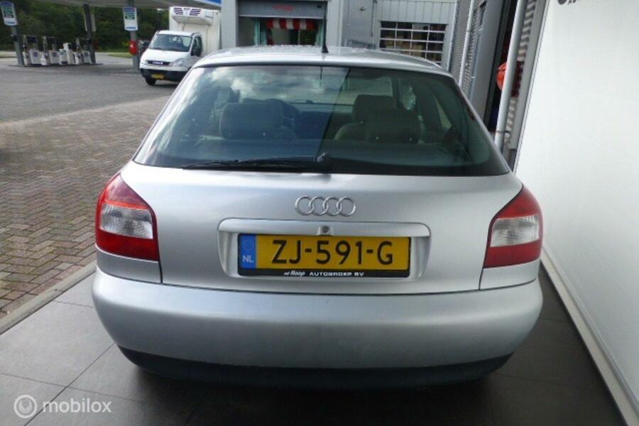 Audi A3 1.6 Attrac. (apk tot 21 okt.2021)
