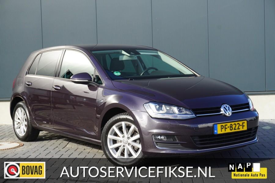 Volkswagen Golf 1.6 TDI LOUNGE - PDC V&A - XENON - VERW. STOELEN