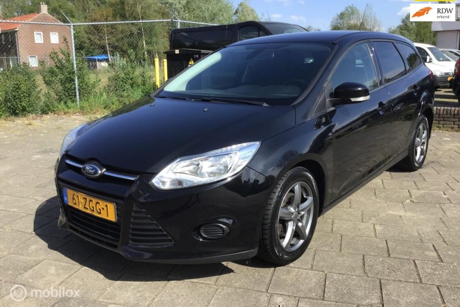 Ford Focus Wagon - 1.6 TDCI ECOnetic Lease Trend?>