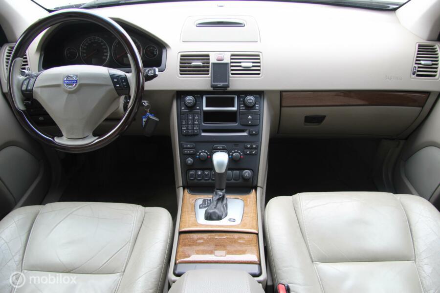 Volvo XC90 2.5 T Momentum 7-PERSOONS/LEER/XENON