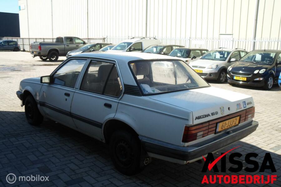 Opel Ascona C 1.6 CD Automaat Dakraam