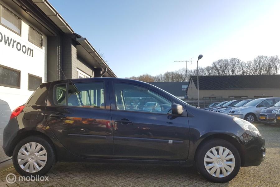 Renault Clio 1.2 TCe Expression airco, navi, nieuwe APK!