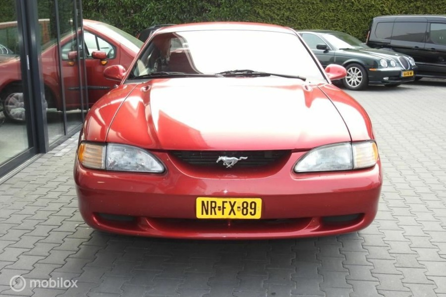 Ford Mustang - USA 3.8 Coupé