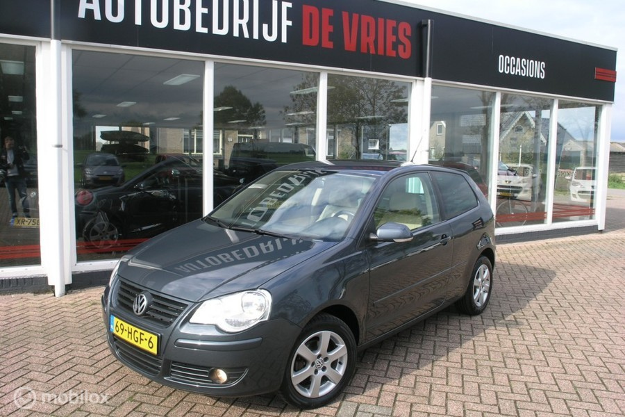 Volkswagen Polo 1.4-16V Automaat Leder/Clima/Cruise/PDC