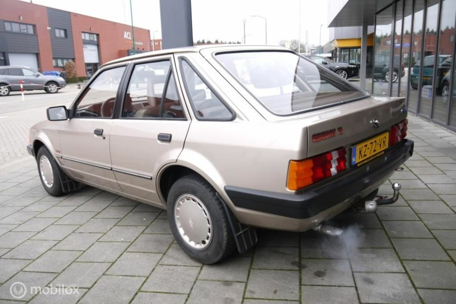 Ford Escort - 1.1 Laser 41.000 km / CONCOURS STAAT