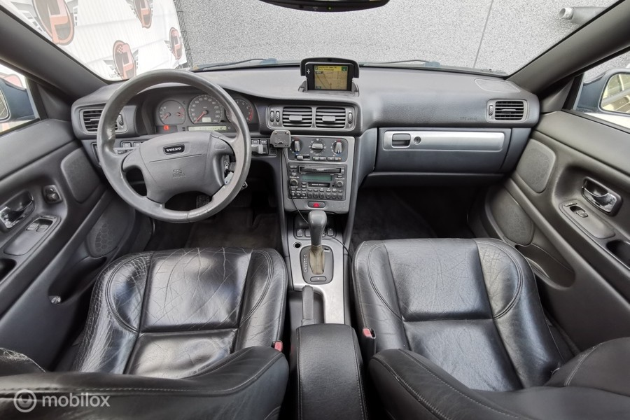 Volvo C70 Coupé 2.4 T AUTOMAAT, LEER, CRUISE!!
