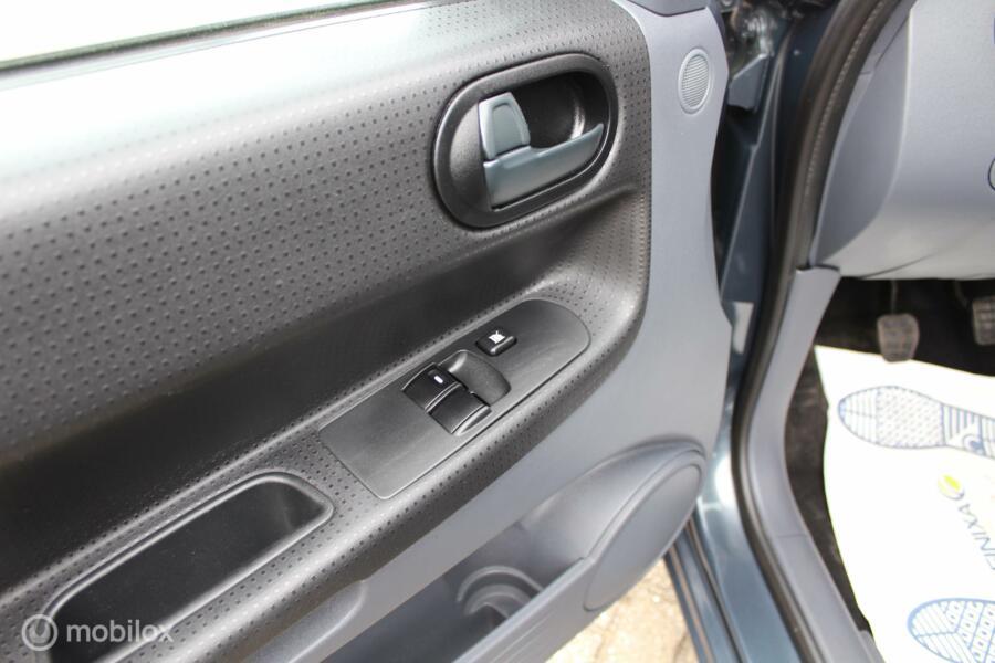 Mitsubishi Colt 1.3 Incharge airco stoelverw