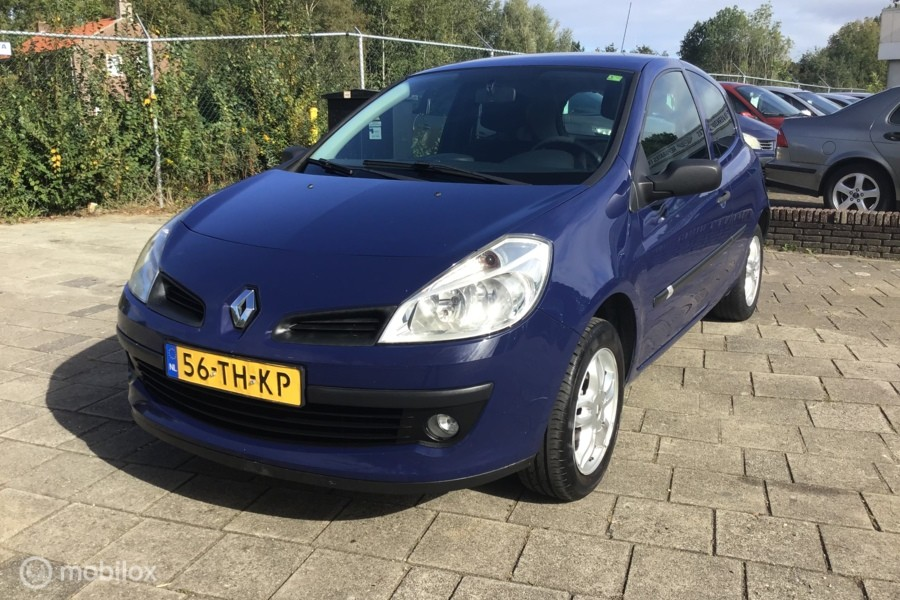 Renault Clio 1.2-16V Authentique?>
