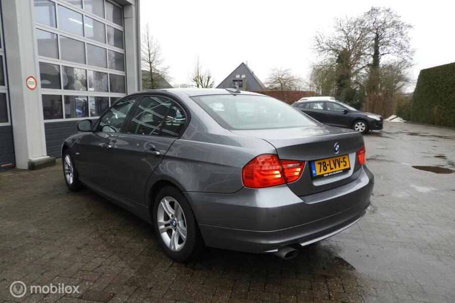 BMW 3-serie 318i Business Line, Xenon