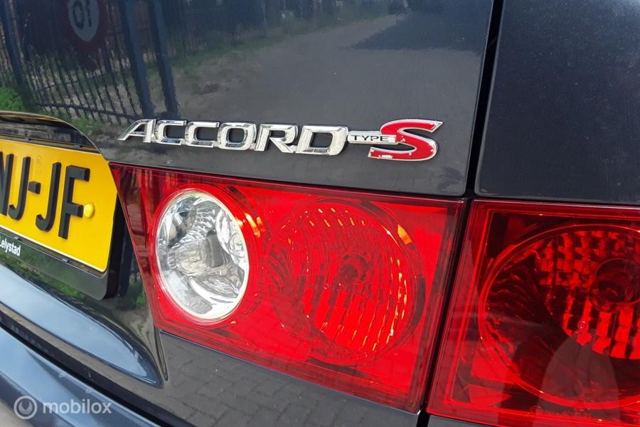 Honda Accord 2.4i  VTEC  Type-S  6-bak  190pk  CL9