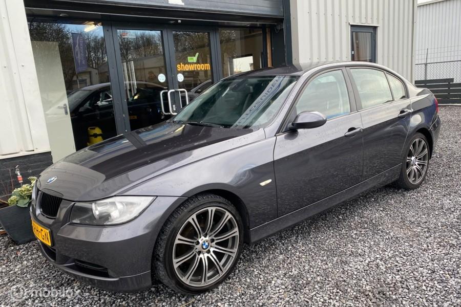 BMW 3-serie 320i Executive Edition NAP / Half leer / Navi