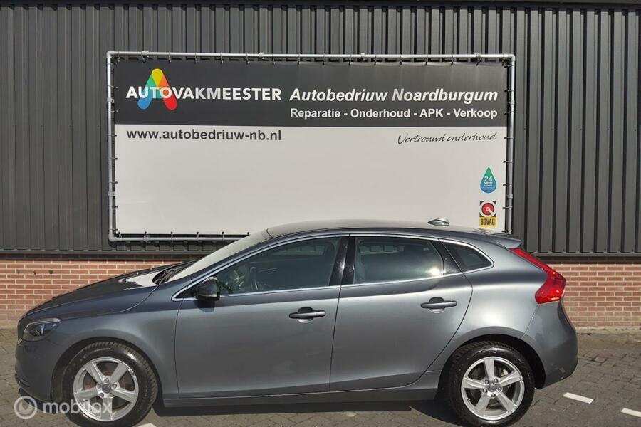 Volvo V40 2.0 D4 Summum Business