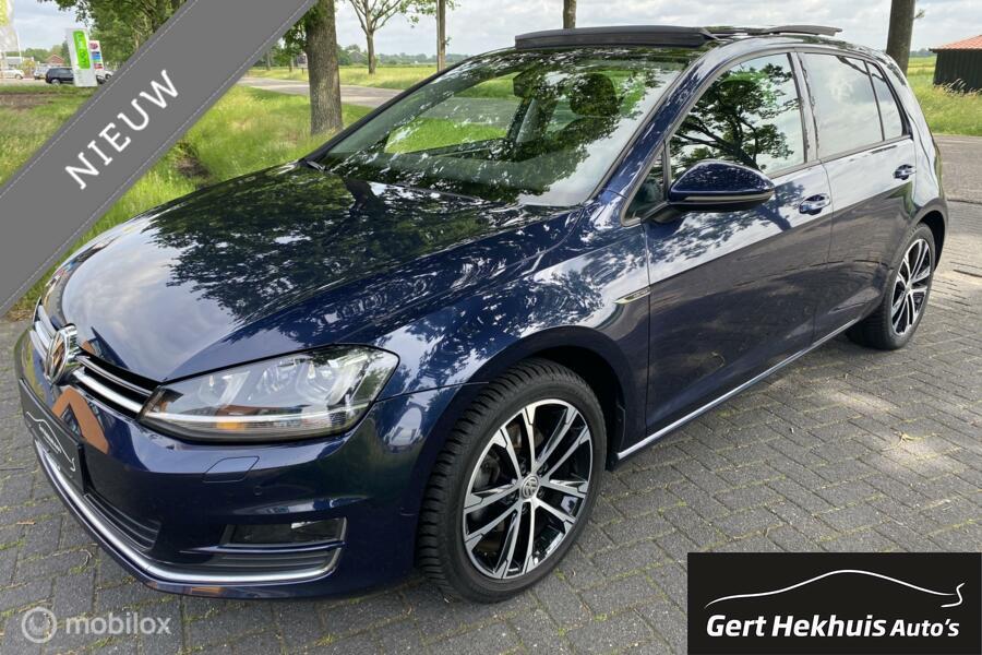 Volkswagen Golf 1.4 TSI 125 pk / panodak . Xenon / Led /