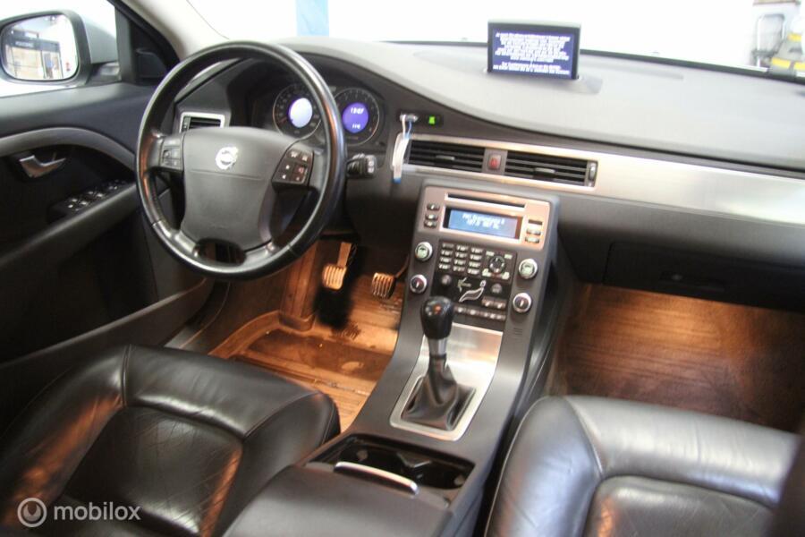 Volvo V70 2.0 Momentum LEER/NAVI/TREKHAAK