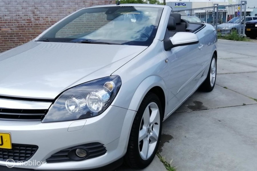 Opel Astra TwinTop - 1.8 Cosmo