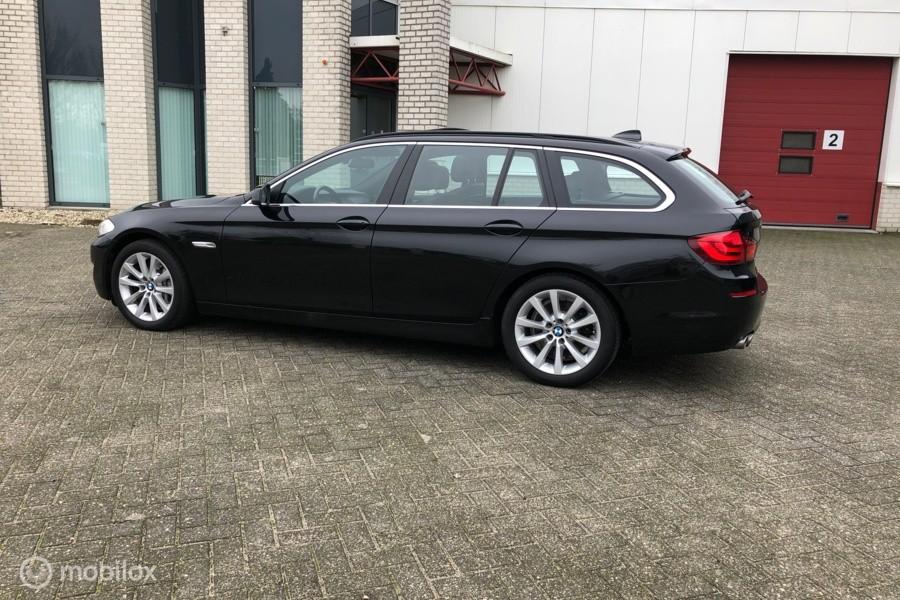 BMW 5 Serie 525D Touring High Executive Xenon/Keyless/Luchtv