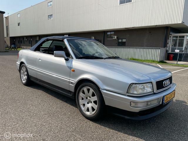 Audi Cabriolet - 1.8 5V nette auto met goed werkend dak.