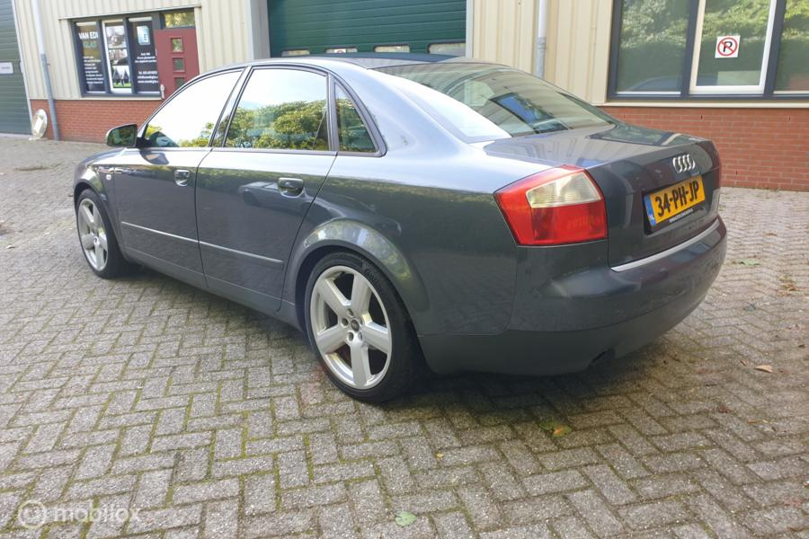 Audi A4 3.0 MT Yountimer