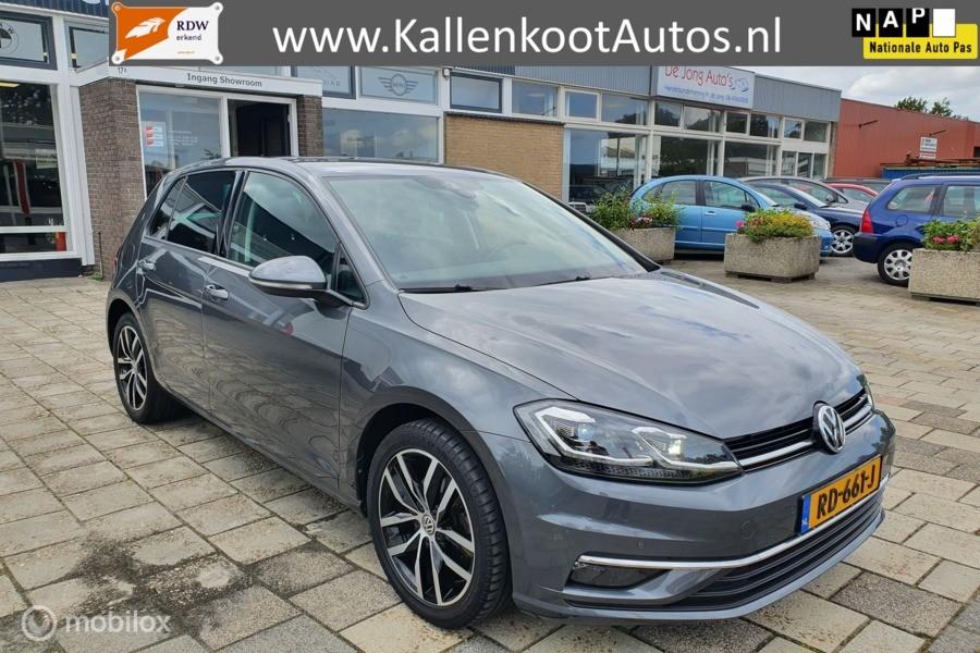 Volkswagen Golf 1.4 TSI, Virtual Cockpit, Full LED, Navi