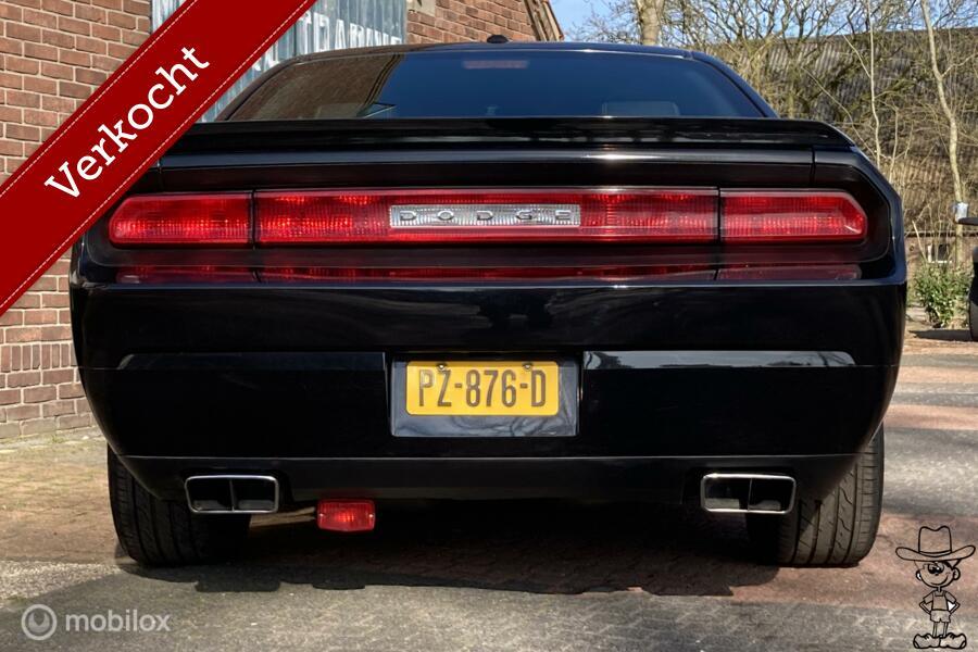 """Dodge CHALLENGER R/T 5.7 V8 HEMI 20"""" velgen, HANDGESCHAKELD"""