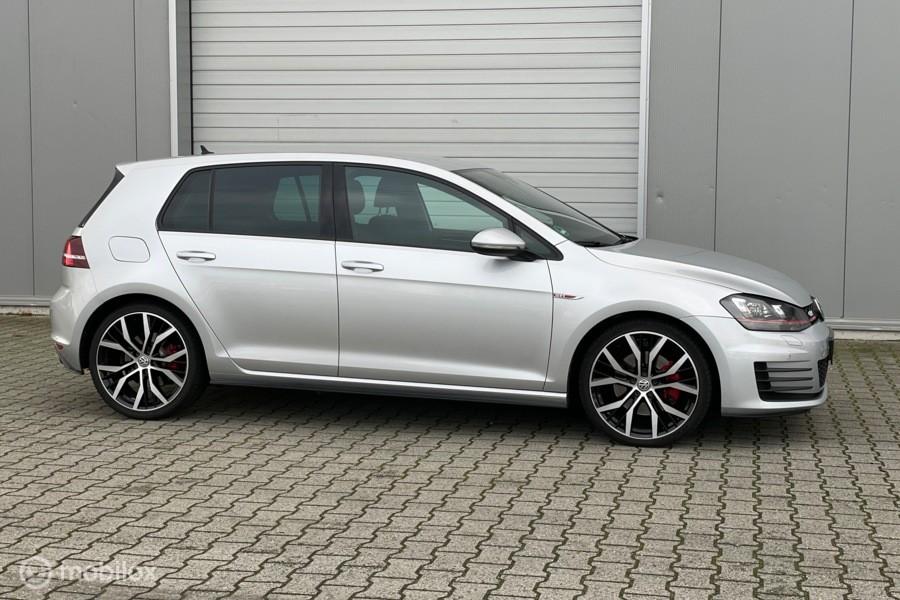 Volkswagen Golf 2.0 TSI GTI DSG AUT/Cruise/NAV/Xenon/Stoelv.