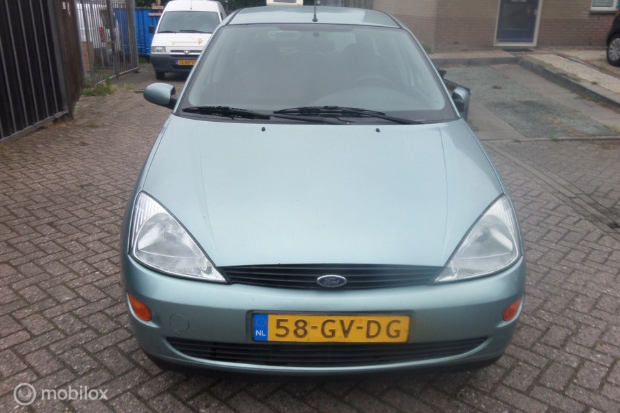 Ford Focus Wagon 1.4-16V Ambiente