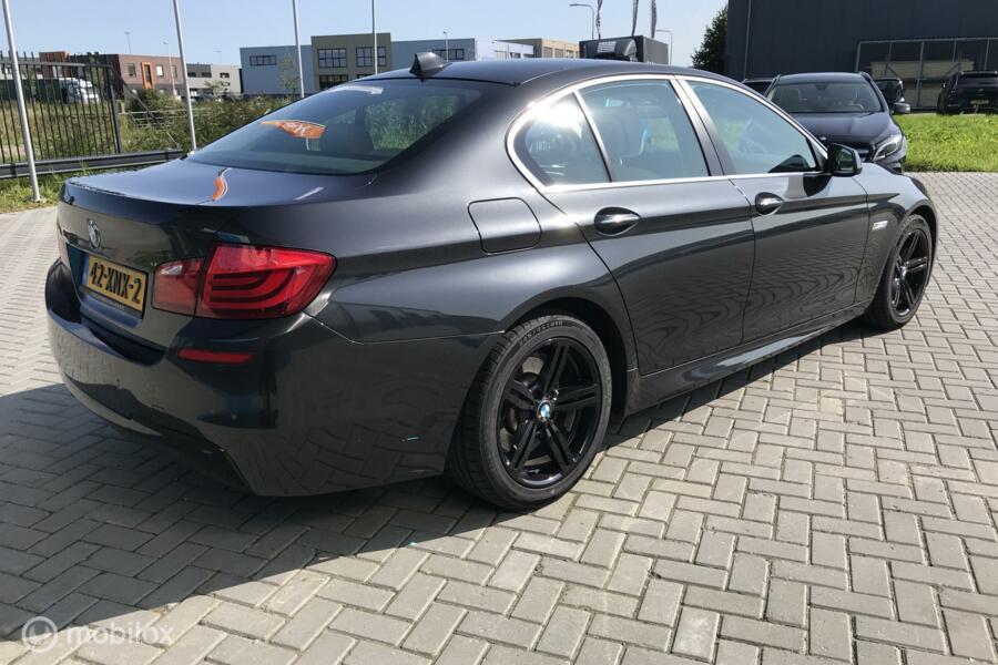 BMW 5-serie 528i High Executive