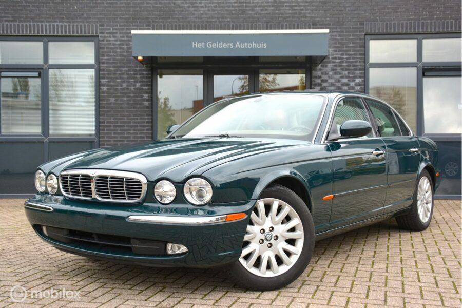Jaguar XJ - 4.2 V8 Executive / Xenon/ Schuifdak/ Navigatie