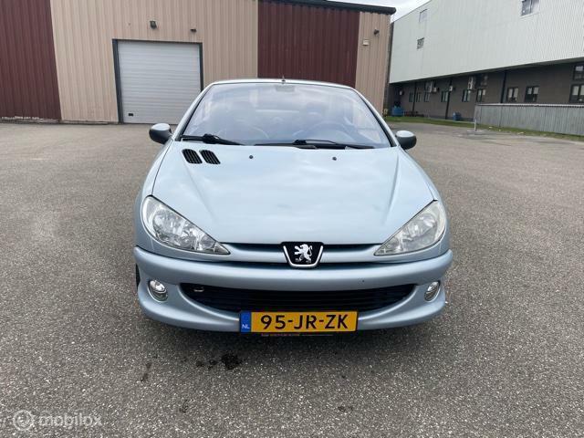 Peugeot 206 CC 1.6-16V nette auto met nw APK Alles werkt !