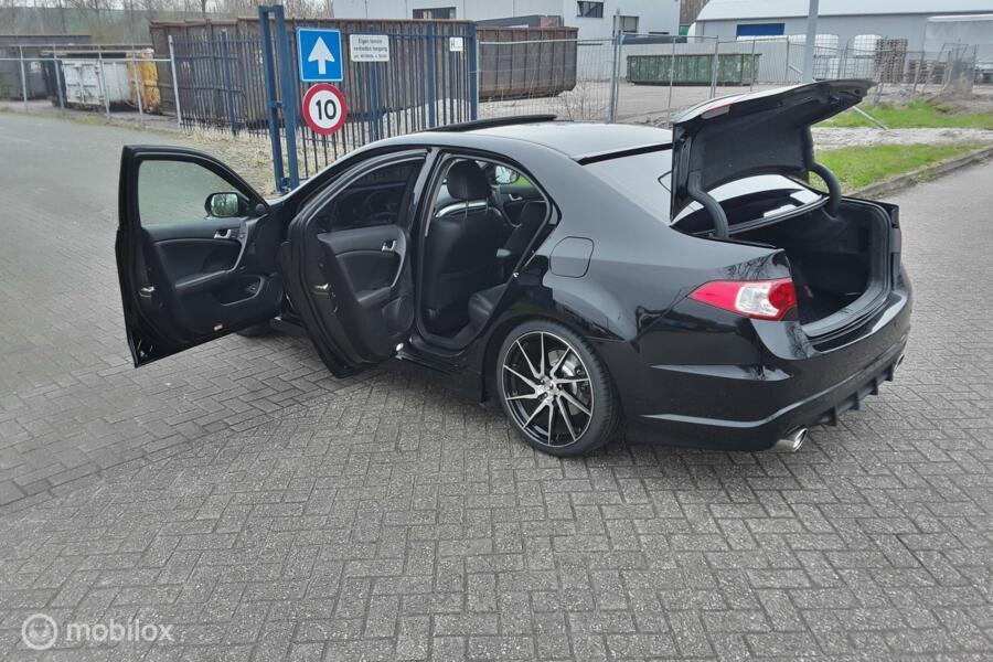 Honda Accord 2.4i Executive CU2 K24Z3 201pk AUT Black Edition Modulo style