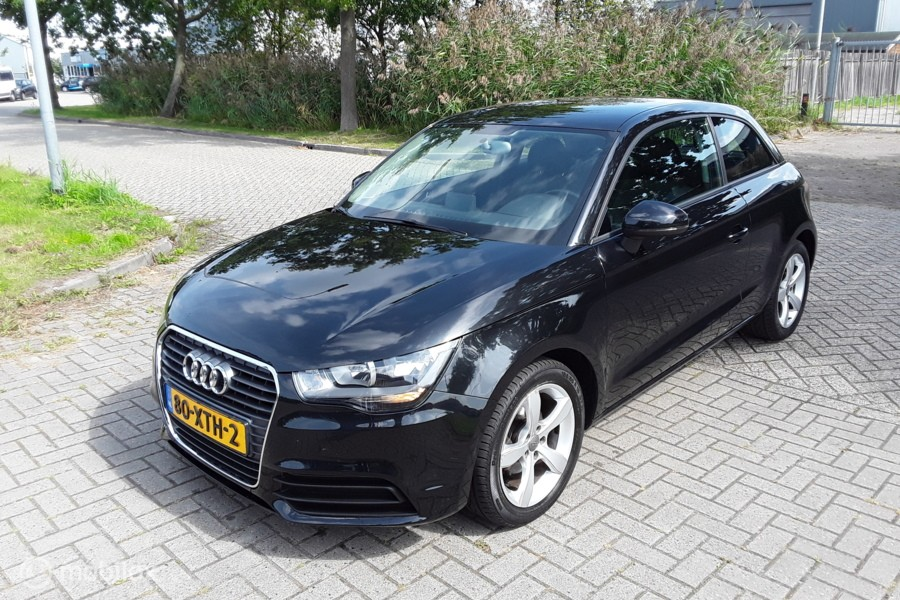 Audi A1  1.6 TDI Attraction Pro Line Business NAVI+AIRCO?>